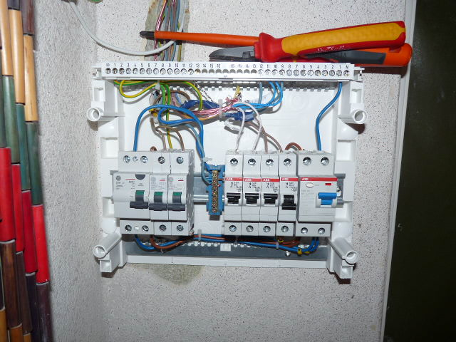 Updated Electrical Fuse Box In House - Auto Electrical Wiring Diagram •